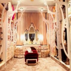 Like a fairy tale – Closet Design: The Best Storage in Your Home : Luxury Closet Design Walk In Closet Design, Closet Designs, Ideas De Closets, Closet Ideas, Organiser Son Dressing, Dressing Room Closet, Closet Bedroom, Master Bedroom, Wardrobe Storage