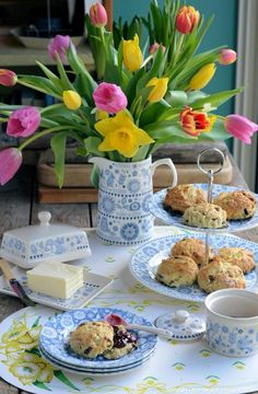 and Mixed Fruit Scones An Afternoon Tea with Scones and Win 12 pieces of Penzance Dinnerware with Churchill!An Afternoon Tea with Scones and Win 12 pieces of Penzance Dinnerware with Churchill! Cream Tea, Coffee Time, Tea Time, Morning Coffee, Chocolate Cafe, Afternoon Tea Parties, Easter Traditions, My Tea, High Tea