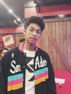 Ricci rivero Ricci Rivero, Ideal Boyfriend, My Bebe, Boys Life, Tumblr Boys, Just Amazing, Basketball Players, Athlete, Bae