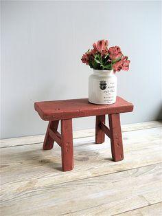 a simple wood stool