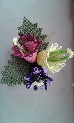 This Pin was discovered by Nil Needle Lace, Groom Dress, Christmas Wreaths, Stitch, Holiday Decor, Flowers, Strands, Lace Bralette, Fabric Roses