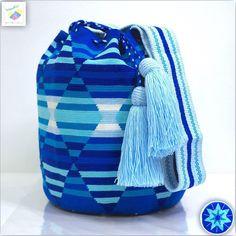 57 отметок «Нравится», 4 комментариев — Wayuu Bags &Bikini etc. (@wayuukiss) в Instagram: «Wayuu bag one strand รุ่น Susu accessories ⭕️Sold out⭕️ •ฐาน 8นิ้ว สูง 10.5นิ้ว •สายยาว 70 cm. •ฟรี…» Tapestry Bag, Tapestry Crochet, Beaded Bags, Baby Car Seats, Needlework, Design Inspiration, Backpacks, Crafts, Accessories
