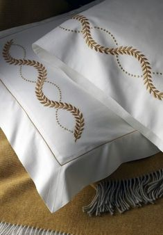 Hand embroidered bed linens by Léron. View all of our custom hand embroidered sheets and contact us to find out more. Linen Pillows, Linen Bedding, Bed Pillows, Bed Linens, Bedding Sets, Draps Design, Embroidered Bedding, Embroidered Kurti, Restoration Hardware Bedding