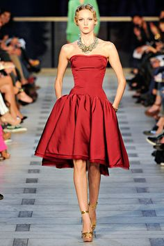 Dear Zac Posen, this is a masterpiece! I day dream about a day where I will need to wear something like this to brunch