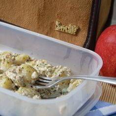 Ñoquis con salsa de champiñones. Snailbag everywhere you go! #Snailbag #lunchbag #tuppertime #gnocchi #tupper #healthy #moda #chic #MadeInSpain #ShopOnline http://www.snailbag.es/shop/especial-navidad/bolsa%20porta%20alimentos%20isotermica%20para%20tuppers/lunchbag-snailbag-camel/