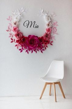 This Ombre Paper Flowers Wall Decor is probably a awe-inspiring wedding or baby shower (nursery decor) idea! The selection of ombrè colors from white and light pink to hot pink will add wow-factor to the entire decoration. This paper flower set of 17 Unique Large Paper Flowers + 28 paper #homedecorideas #decoratie