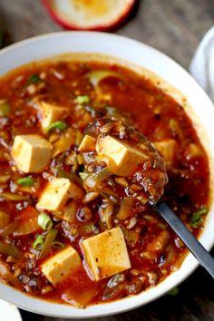 The Ultimate Vegan Mapo Tofu (麻婆豆腐) | Pickled Plum | Easy Asian Recipes Vegan Vegetarian, Vegetarian Recipes, Healthy Recipes, Vegan Raw, Vegetarian Dinners, Tofu Steak, Easy Asian Recipes, Baked Tofu, Recipes