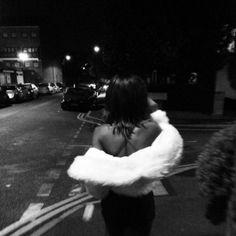 carmen by lana del rey Black And White Aesthetic, Black N White, White Fur, Black And White Instagram, Tumbrl Girls, Foto Top, Paris Mode, Photo Instagram, Disney Instagram