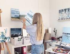 """47 tykkäystä, 1 kommenttia - Jenni Tuulia (@jennituuliaart) Instagramissa: """"Today in my stories I was asking for your opinions on what to post there. I'm always interested in…"""" My Art Studio, Inside Me, Jenni, Desk, Furniture, Home Decor, Desktop, Decoration Home, Room Decor"""