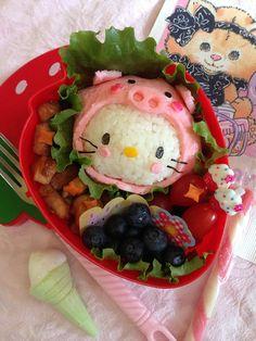 Hello Kitty rice ball with hood, wonder if that's ham or tinted egg sheet for the hood? Kawaii Bento, Cute Bento, Japanese Bento Lunch Box, Cute Food Art, Sushi Art, Bento Recipes, Food Humor, Edible Art, Kids Meals