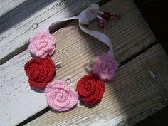 Gehäkeltes Rosenblüten Halsband