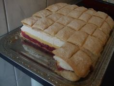 Érdekel a receptje? Cake Bars, Hungarian Recipes, Something Sweet, Hot Dog Buns, Cookie Recipes, Waffles, Sandwiches, Food And Drink, Sweets