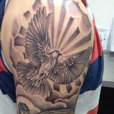 Cloud Tattoo Sleeve, J Tattoo, Leg Sleeve Tattoo, Best Sleeve Tattoos, Card Tattoo Designs, Dove Tattoo Design, Tattoo Design Drawings, Tattoo Sleeve Designs, Half Sleeve Tattoo Stencils