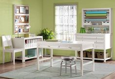 craft room - awesome green colour. Love the white against it. I could easily do this with my craft studio