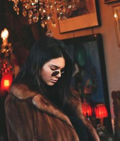 kendall jenner cool girl winter style. love the brown fur. i'd def go faux. #kendalljenneroutfits