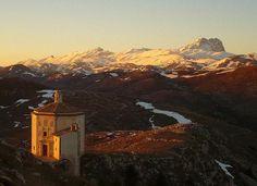 Chapel of La Madonna della Pieta, Abruzzo, Italy.  By Julian Civiero from Richmond, Surrey
