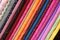 Mais qu'est-ce que c'est ce tissu ? Atelier Couture Diy, Blog Couture, Diy Couture, Shops, Sewing Techniques, Patches, Quilts, Crochet, How To Make