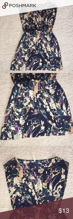 Patterned Dress - Large 100% polyester - very silky feeling Size Grande - Large Missing the belt (it was a black ribbon, I never used it with a belt) My Story Dresses