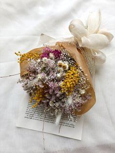 Dried Flower Bouquet, Dried Flowers, Centre Pieces, Small Gardens, Flower Crafts, Pretty Little, Floral Arrangements, Dream Wedding, Wreaths