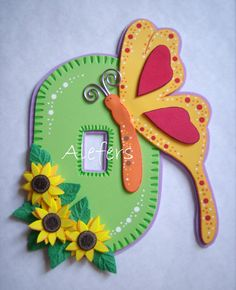 Alefers Tienda On Line: marzo 2011 Handmade Crafts, Diy And Crafts, Crafts For Kids, Diy Bow, Diy Ribbon, Felt Succulents, Merian, Felt Baby, Butterfly Crafts