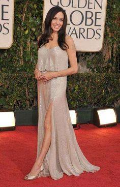 Angelina Jolie Rocks Vintage-Inspired Versace at 2009 Golden Globes #Fashion #Oscars