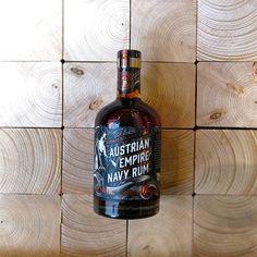 https://neooro.com/media/image/product/33/md/albert-michlers-austrian-empire-navy-rum-solera-18-jahre-40.jpg