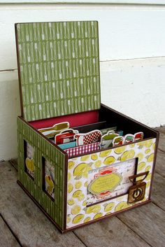 """Hi Everyone - Lowri here. Today I have a recipe box to show you using the Kaisercraft """"Nans Favourites"""" Collection - which has been MY f. Recipe Cards, Recipe Box, Diy Recipe, Scrapbook Recipe Book, Craft Projects, Projects To Try, Diy And Crafts, Paper Crafts, Recipe Organization"""
