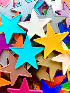 Have any of your pupils stood out recently? Has someone gone the extra mile to be helpful or respectful? Our Star Tokens are perfect to run alongside your House Points and earn a Headteacher Award ⭐️ shop our range of colourful Star Tokens on our website Neon Yellow, Blue Orange, Blue Gold, Pink Purple, Token System, Reward System, School Community, Extra Mile, Business Events