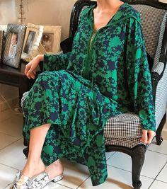 """486 Likes, 16 Comments - Jalila Choukaïli (@jc.couture) on Instagram: """"JC couture créations ✂️: Jellaba en mousseline imprimée à lacets #Traditionelle #creations…"""""""
