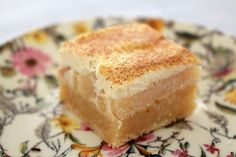 Make the perfect Apple & Sour Cream Slice using this classic recipe. A sweet cake-like base and a tangy sour cream, apple and cinnamon top layer. YUM!