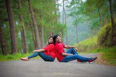 Cute Couple Poses, Couple Picture Poses, Couple Photoshoot Poses, Couple Posing, Wedding Photoshoot, Wedding Shoot, Couple Pictures, Indian Wedding Couple Photography, Photo Poses For Couples