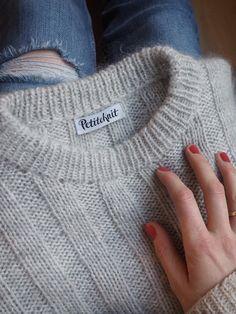 Ravelry: Vertical Stripes Sweater pattern by PetiteKnit Sweater Knitting Patterns, Cardigan Pattern, Wrap Cardigan, Lace Wrap, How To Start Knitting, Vertical Stripes, Mantel, Knitwear, Knit Crochet