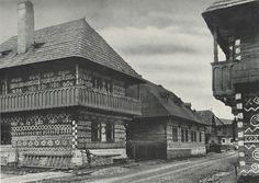 #Čičmany #Považie #Slovensko #Словакия #Slovakia Strange History, Nassau, Czech Republic, Ark, Old Photos, Townhouse, My House, Building A House, German