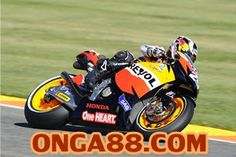 Top 10 Most Dangerous Sports On Earth For 2015 Dangerous Sports, Motorcycle Wallpaper, Online Mobile, Sports Wallpapers, Racing Motorcycles, Motogp, Honda, Bike, Vehicles