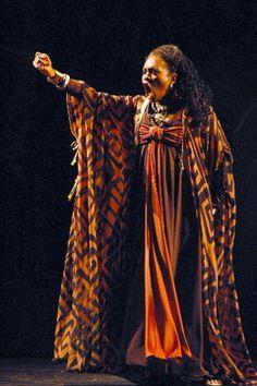 Aida costume