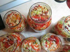 Ζουζουνομαγειρέματα: Τουρσί Ουγγαρέζα σαλάτα! Kitchen Stories, Christmas Mood, Salad Bar, Appetizer Dips, Preserving Food, Greek Recipes, Fresh Rolls, Pickles, Salad Recipes