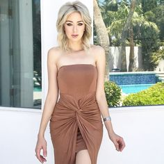 #FashionConfessions: On iHeartMarina.com ➡️ A few tips & tricks when styling your look around various shades of nude. 1. Keep it simple 2. Nude beige tones tend to look absolutely amazing against denim and whites. 3. Mixing all nude colors gives you a certain classy and ladylike look, while beige hue looks clean and fresh. Read more on the blog! What are some of YOUR tips? Would so love to hear from you! Please comment below  #marinaberberyan #iheartmarina