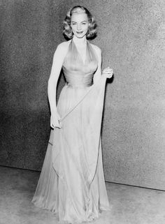 Lauren Bacall's Impeccable Style: Our Favorite Timeless Looks | Ravishly