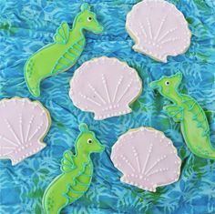 Incredibly cute shell and seahorse cookies.