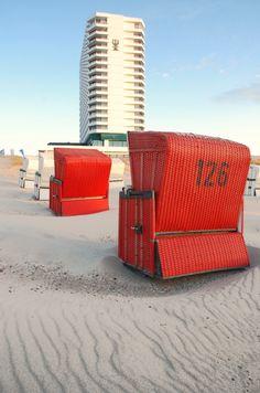 Einmal Füße hochlegen am Strand von Warnemünde Hotel Neptun
