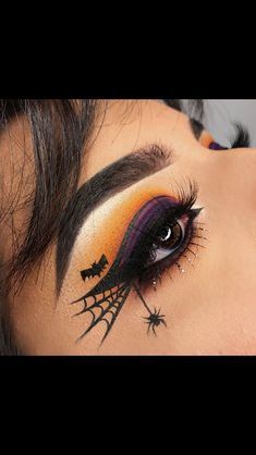 Halloween Make-up, Halloween Spiderweb Eyeliner Tutorial, Halloween Make-up Videos Halloween Makeup Videos, Creepy Halloween Makeup, Halloween Party, Halloween Eyeshadow, Halloween Nails, Haloween Makeup, Halloween Couples, Simple Halloween Makeup, Halloween Ideas