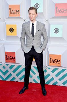 Tom Hiddleston. Via Torrilla.