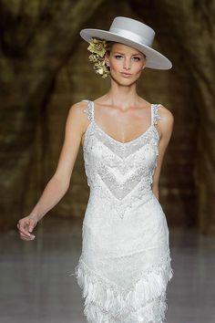 Women S Fashion Cycling Shorts Wedding Hats, Casual Wedding, Wedding Dresses, Pageant Headshots, Vestidos Flapper, Pronovias, Types Of Hats, Spanish Fashion, Fancy Hats