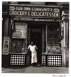 Our Community Grocery, Harlem, Photo by Aaron Siskind. Dance Hip Hop, Roy Decarava, Aaron Siskind, Old Country Stores, Vintage New York, Vintage Black, African American History, American Art, Vintage Pictures