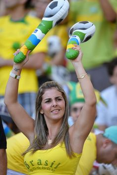World Cup Brazil sexy hot girls football fan, beautiful woman supporter of the world. Pretty amateur girls, pics and photos Hot Football Fans, Football Girls, Soccer Fans, Female Football, Fifa, Brazil Beauty, Hot Fan, Russia 2018, Soccer World