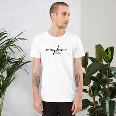 Get Buy This Site Sell Stolen Artwork Unisex T-Shirt in Top Custom Shirt. Unisex T-Shirt ✓ Unlimited options to combine colours & sizes & styles. T Shirt Vegan, Keep Calm, Busted Tees, Cooler Style, Look Plus, Prism Color, Ash Color, Product Label, Couture