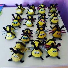egg carton bee craft