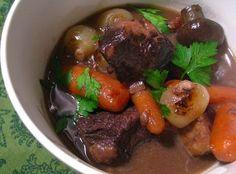 Thịt bò nấu sốt vang kiểu Âu