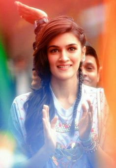 First Look: Tiger and Kriti team up for Chal Waha Jaate Hain Bollywood Girls, Bollywood Stars, Bollywood Fashion, Bollywood Images, Bollywood Quotes, Indian Bollywood, Beautiful Girl Indian, Most Beautiful Indian Actress, Indian Celebrities