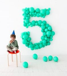 Nothing sayings birthday like a giant balloon number. - DIY and Crafts, Gifts, Handmade Ideias - DIY and Crafts Ideias Diy Party Dekoration, Girl Birthday, Birthday Parties, Giant Balloons, Childrens Party, Birthday Decorations, Holiday Parties, Party Planning, First Birthdays